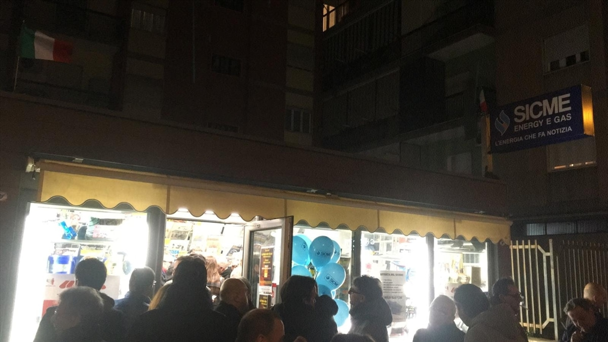 Occhi Su Salerno Sicme Energy Gas L Energia Che Fa Notizia Con La Notte Bianca Delle Edicole